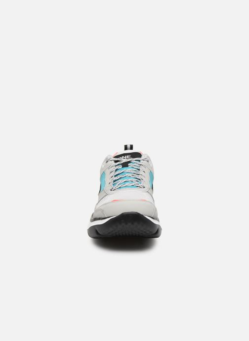 Chaussures de sport Skechers Vibe Ultra-Karma Gris vue portées chaussures