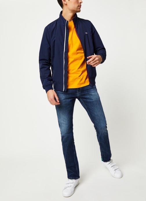 Vêtements Tommy Jeans TJM Essential Bomber Jacket Bleu vue bas / vue portée sac