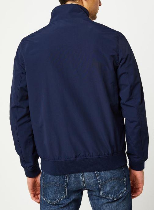 Vêtements Tommy Jeans TJM Essential Bomber Jacket Bleu vue portées chaussures
