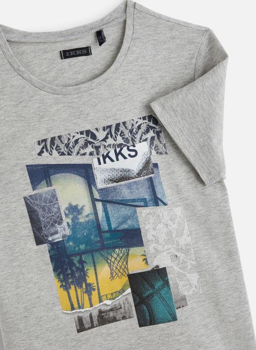 Vêtements IKKS JUNIOR  T-shirt MC XQ10483 Gris vue portées chaussures