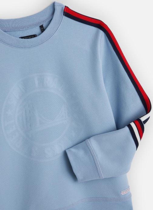 Vêtements IKKS JUNIOR  Sweatshirt XQ15023 Bleu vue portées chaussures