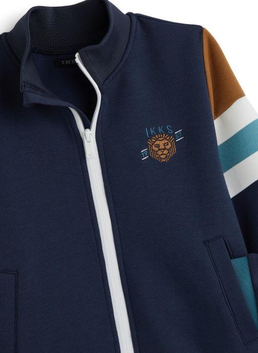 Vêtements IKKS JUNIOR  Sweatshirt zippé XQ17043 Bleu vue portées chaussures