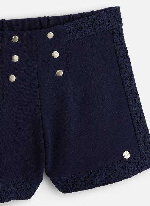 Vêtements IKKS JUNIOR  Short XQ26002 Bleu vue portées chaussures