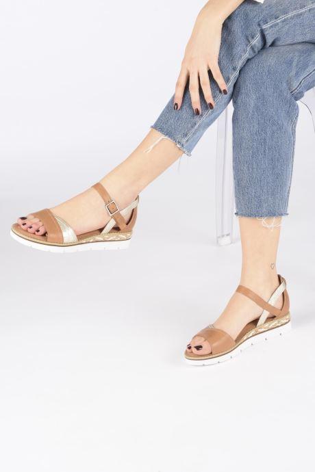 Sandales et nu-pieds Karston KILGUM Marron vue bas / vue portée sac