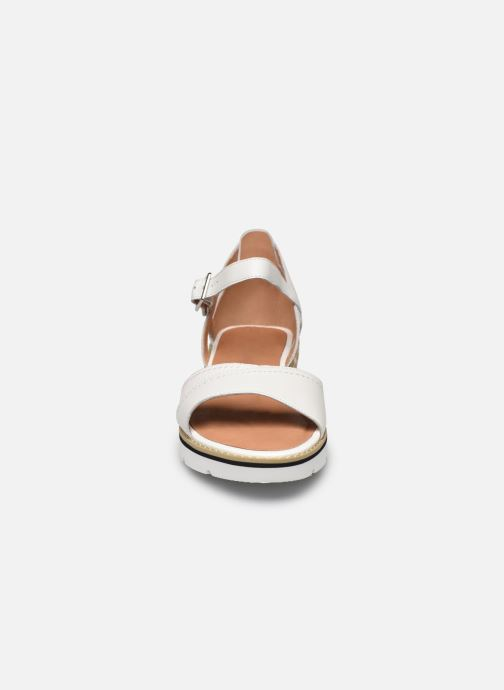 Sandales et nu-pieds Karston KILGUM Blanc vue portées chaussures