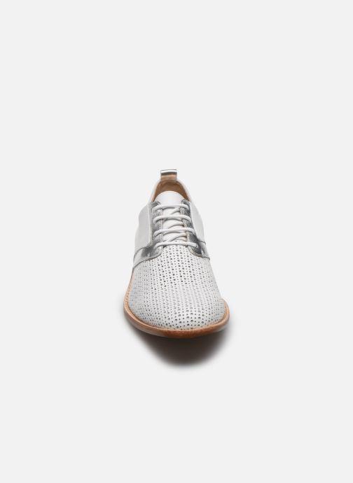 Chaussures à lacets Karston JENIFER Blanc vue portées chaussures