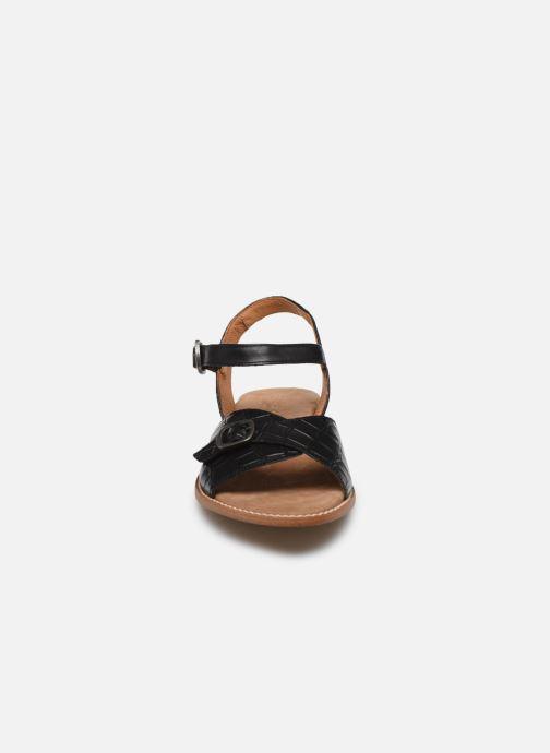 Sandali e scarpe aperte Karston XABER Nero modello indossato