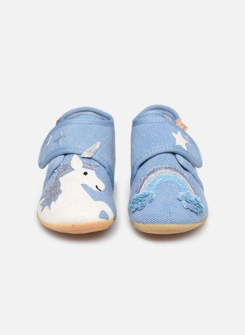 Chaussons Living Kitzbühel Babyklett. Einhorn & Regenbogen Bleu vue portées chaussures