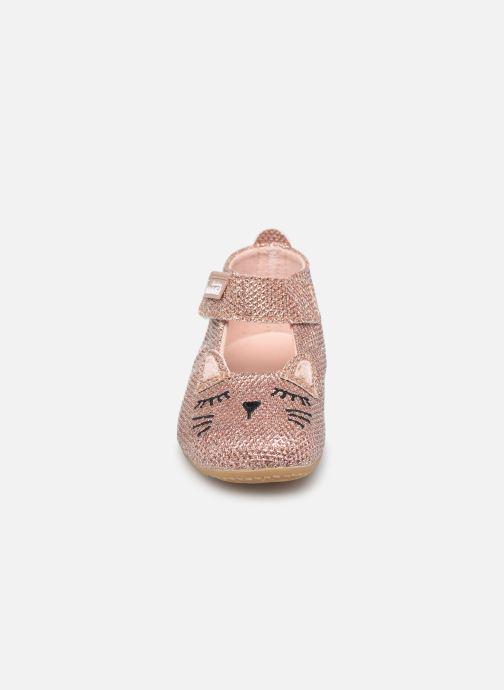 Hausschuhe Living Kitzbühel Babyballerina Katze silber schuhe getragen