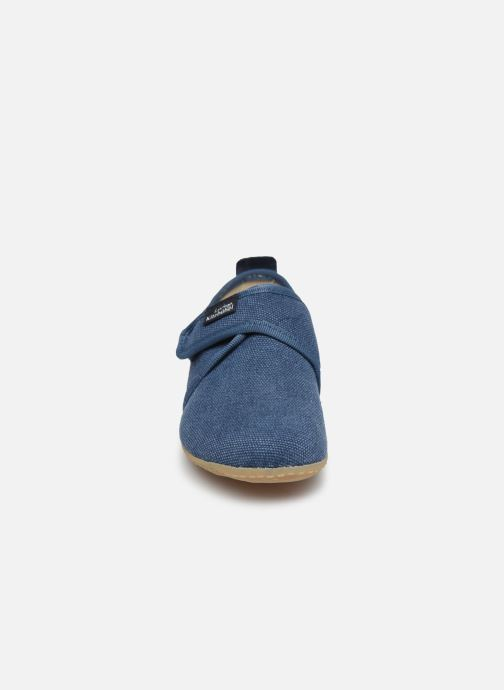 Pantofole Living Kitzbühel Klettmodell Canvas mit Lederinnensohle Azzurro modello indossato
