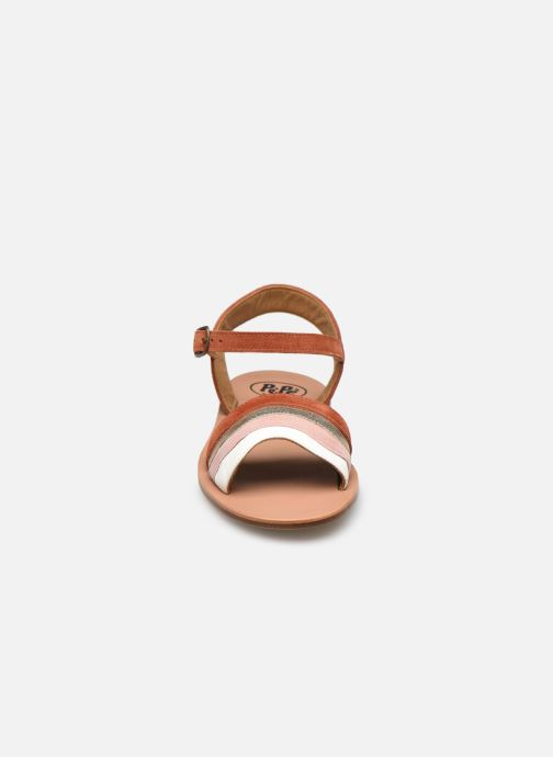Sandali e scarpe aperte PèPè Sandales-Terra/Oro/Confetto Multicolore modello indossato