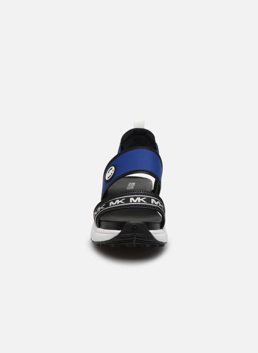 Sandali e scarpe aperte Michael Michael Kors Rooney Sandal Azzurro modello indossato