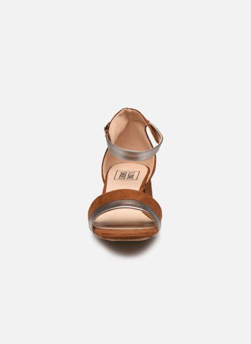 Sandalen I Love Shoes DIBELLO braun schuhe getragen