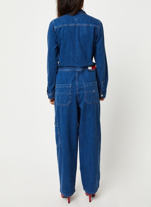 Vêtements Tommy Jeans TJW Regular Jumpsuit Mcmd Bleu vue portées chaussures