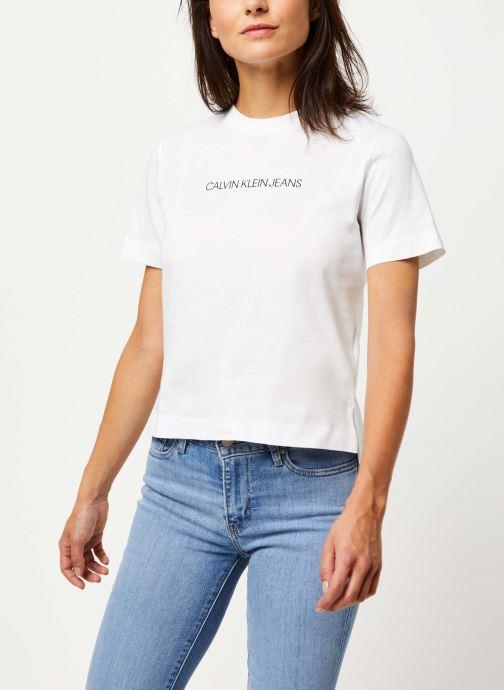 Vêtements Calvin Klein Jeans Shrunken Institutional Logo Tee Blanc vue détail/paire