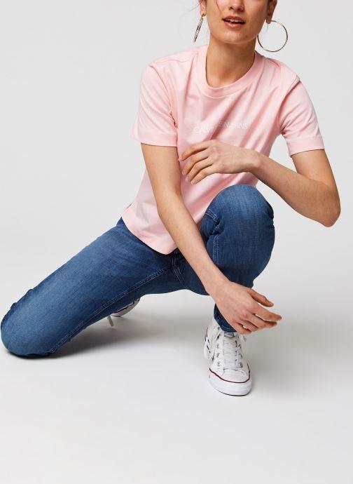 Vêtements Calvin Klein Jeans Shrunken Institutional Logo Tee Rose vue bas / vue portée sac
