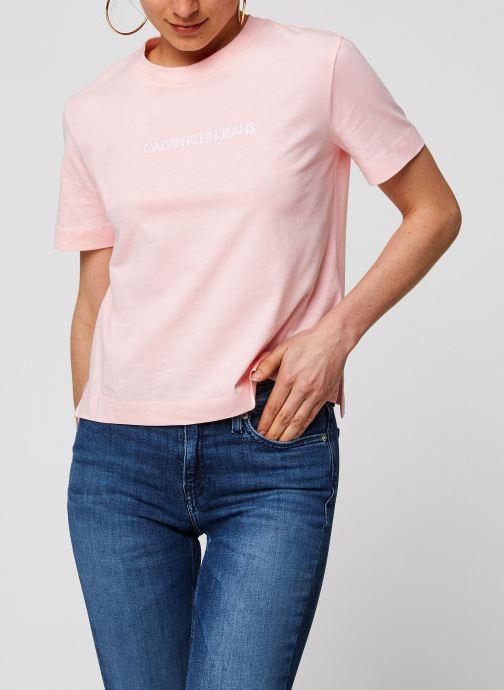 Vêtements Calvin Klein Jeans Shrunken Institutional Logo Tee Rose vue droite
