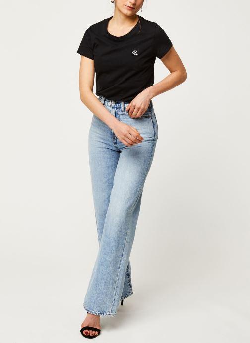 Vêtements Calvin Klein Jeans CK Embroidery Slim Tee Noir vue bas / vue portée sac
