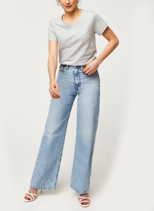 Vêtements Calvin Klein Jeans CK Embroidery Slim Tee Gris vue bas / vue portée sac