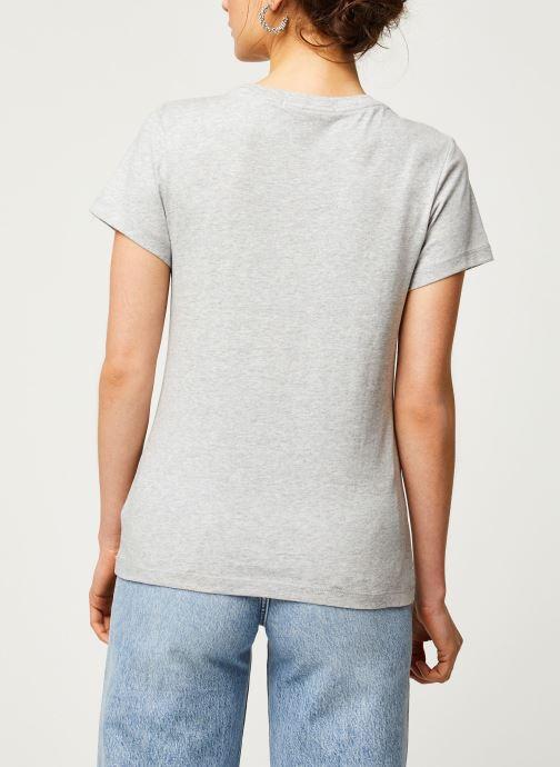 Vêtements Calvin Klein Jeans CK Embroidery Slim Tee Gris vue portées chaussures