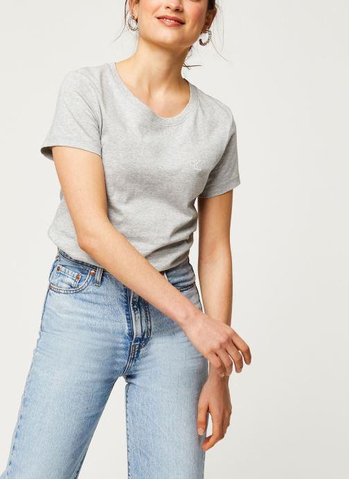 Vêtements Calvin Klein Jeans CK Embroidery Slim Tee Gris vue détail/paire
