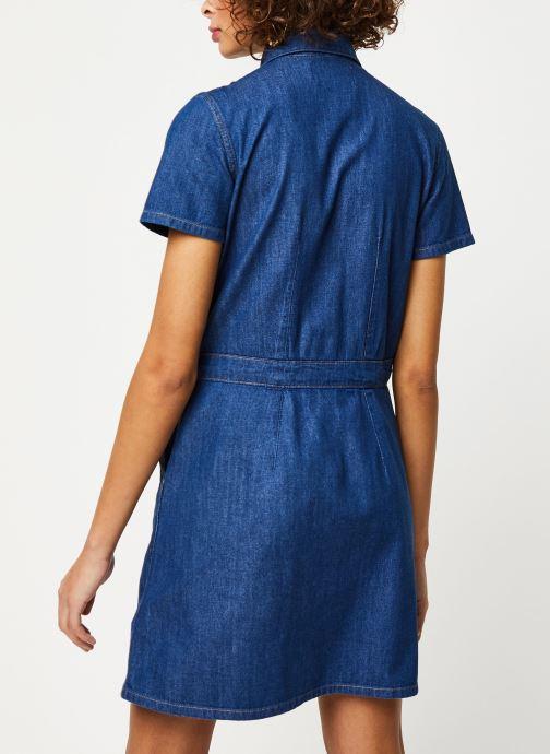Vêtements Calvin Klein Jeans Short Sleeve Desert Diner Dress Bleu vue portées chaussures