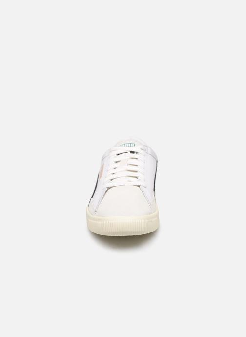 Baskets Puma Basket 90680 L. Blanc vue portées chaussures