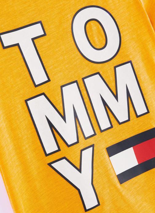 Kleding Tommy Hilfiger T-shirt Multi Application Aw Tee S/S Geel model