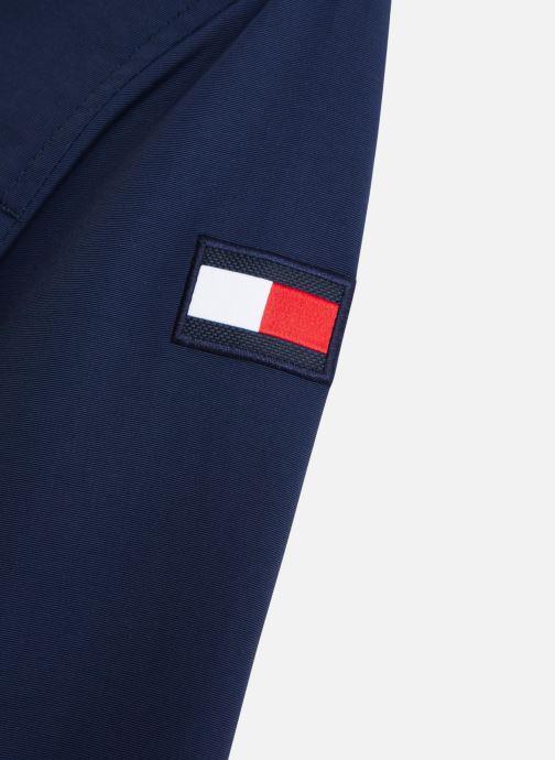 Vêtements Tommy Hilfiger Veste blouson Essential Jacket Bleu vue portées chaussures