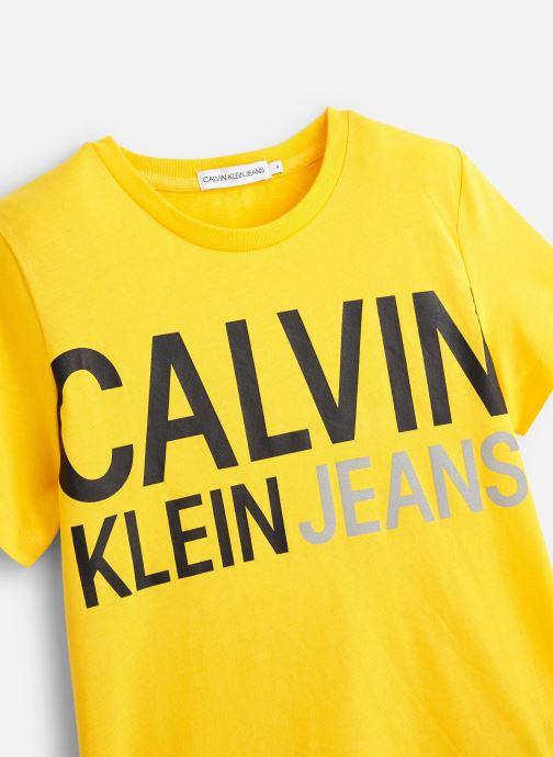 Vêtements Calvin Klein T-shirt Stamp Logo Ss Jaune vue portées chaussures
