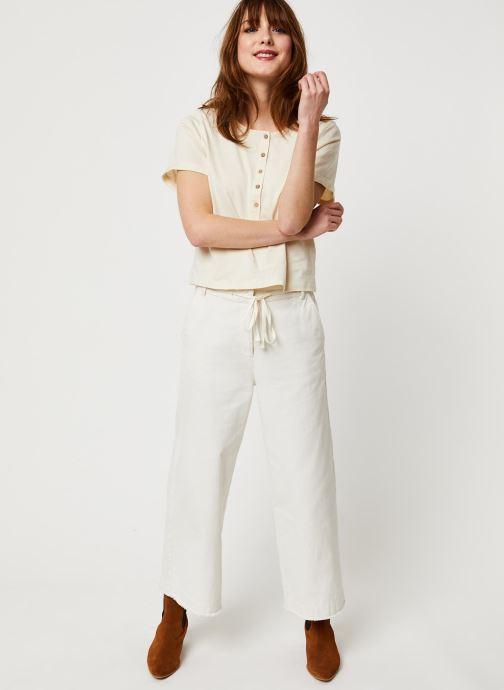 Vêtements Free People WHAT'S UP HENLEY TEE Blanc vue bas / vue portée sac