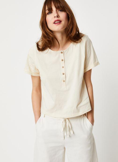 Vêtements Free People WHAT'S UP HENLEY TEE Blanc vue détail/paire