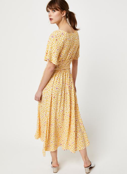 Vêtements Free People IN FULL BLOOM DRESS Jaune vue portées chaussures