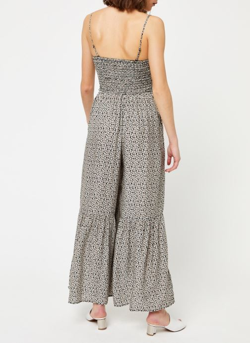 Vêtements Free People LITTLE OF YOUR LOVE JUMPSUIT Noir vue portées chaussures