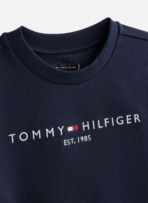 Vêtements Tommy Hilfiger Sweatshirt  Essential Cn Sweatshirt Bleu vue portées chaussures