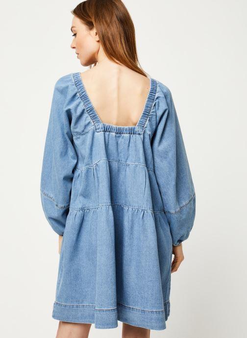 Vêtements Free People BLUE JEAN BABYDOLL DRESS Bleu vue portées chaussures