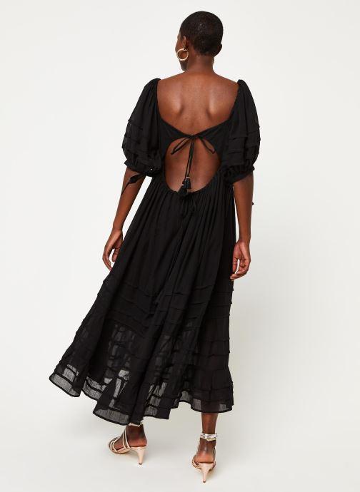 Vêtements Free People LETS BE FRIENDS MIDI DRESS Noir vue portées chaussures