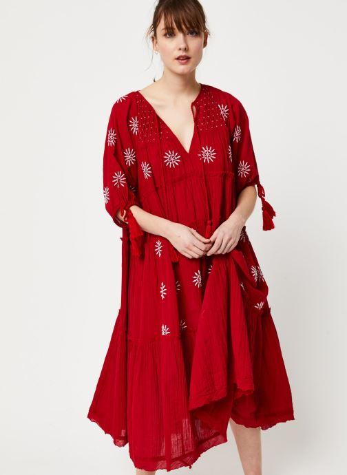 Vêtements Free People CELESTIAL SKIES MAXI DRESS Rouge vue détail/paire