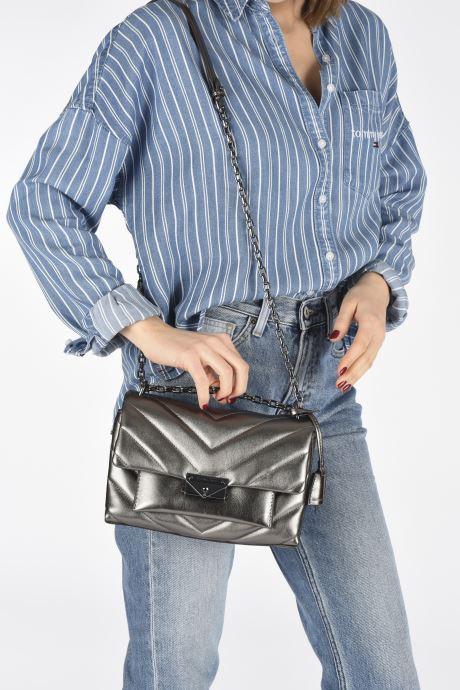 Sacs à main Michael Michael Kors CECE CHAIN SHOULDER Noir vue bas / vue portée sac