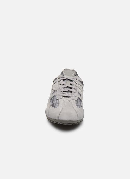 Baskets Geox UOMO SNAKE U4207L Gris vue portées chaussures