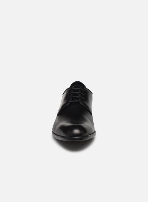 Scarpe con lacci Geox U IACOPO U029GC Nero modello indossato