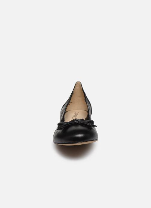 Ballerines Caprice Bahia Noir vue portées chaussures
