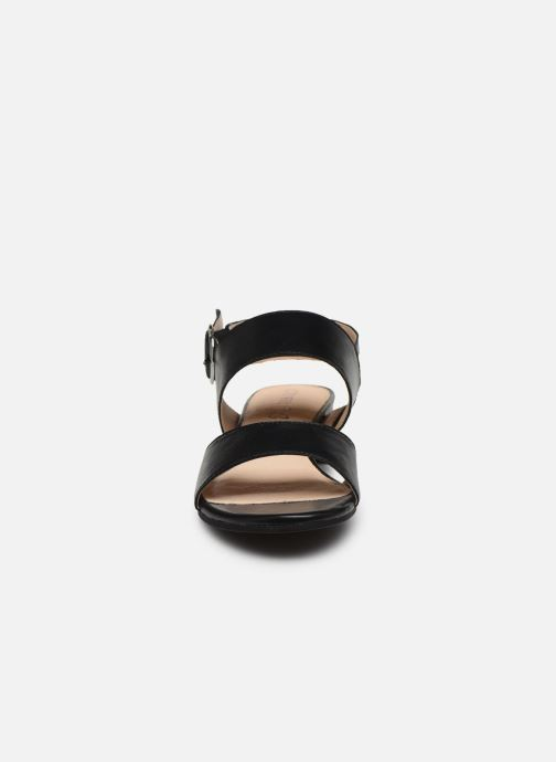 Sandali e scarpe aperte Caprice Niva Nero modello indossato