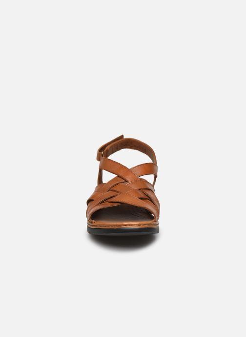 Sandali e scarpe aperte Caprice Nerice Marrone modello indossato