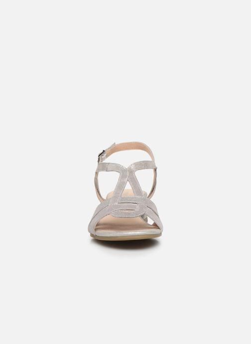 Sandali e scarpe aperte Caprice Nat Argento modello indossato