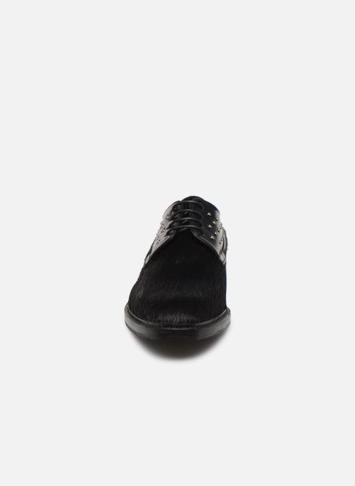 Zapatos con cordones Melvin & Hamilton Katrin 2 Negro vista del modelo