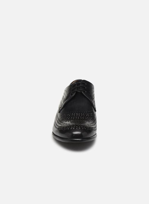 Zapatos con cordones Melvin & Hamilton Sally 82 Negro vista del modelo