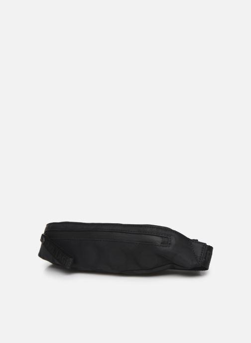 Borse Karl Lagerfeld Karl X Carine Small Bumbag Dot Nero modello indossato