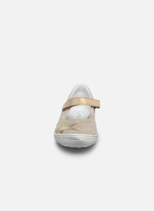 Ballerines Bopy Saga Beige vue portées chaussures