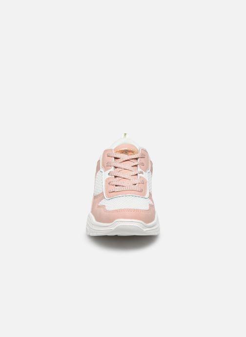 Sneakers Bopy Xoumapa Rosa modello indossato